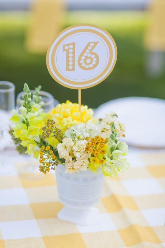20 Amazing Floral Centerpieces for the Wedding of Your Dreams (2)
