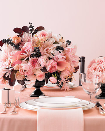20 Amazing Floral Centerpieces for the Wedding of Your Dreams (6)
