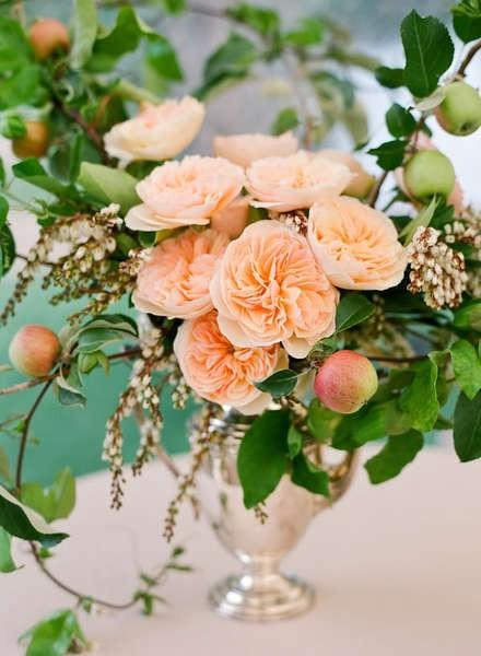 20 Amazing Floral Centerpieces for the Wedding of Your Dreams (9)