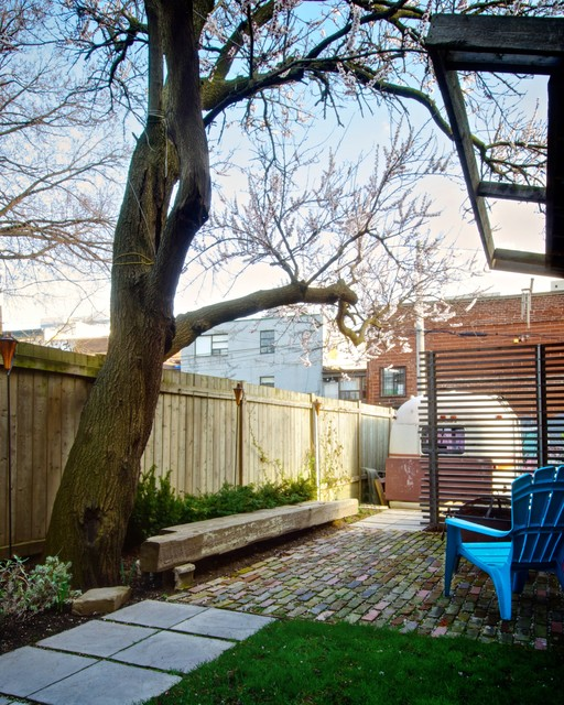 20 Amazing Ideas for Your Backyard Fence Design (13)
