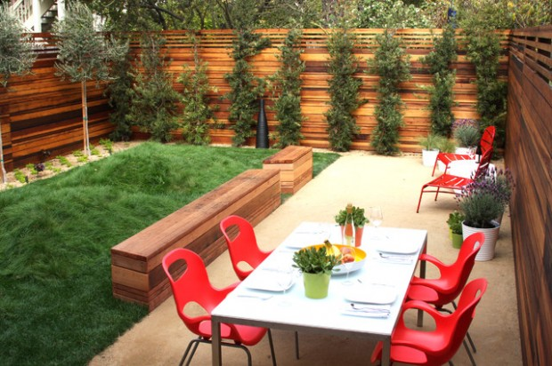 20 Amazing Ideas for Your Backyard Fence Design (15)