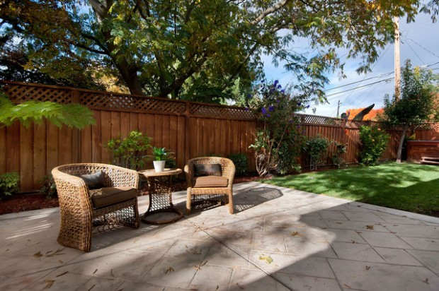 20 Amazing Ideas for Your Backyard Fence Design (20)