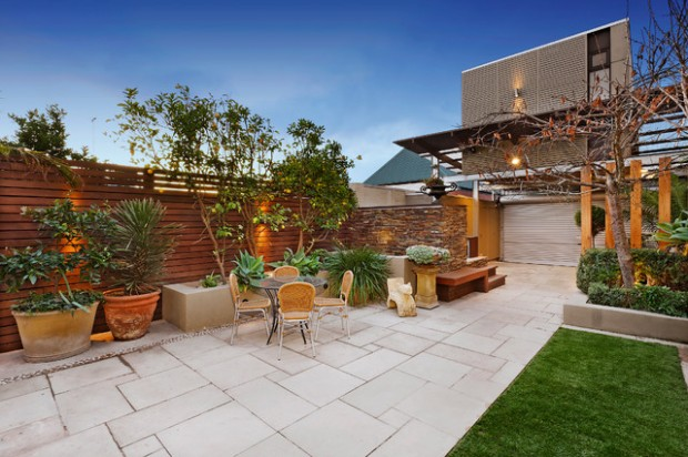 20 Amazing Ideas for Your Backyard Fence Design (8)