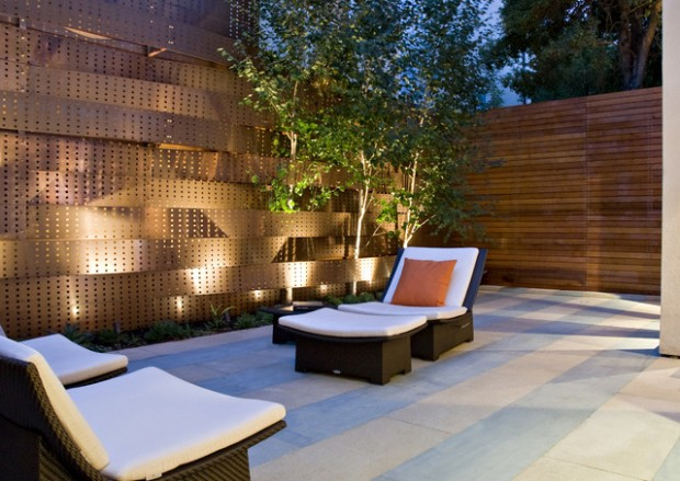 20 Amazing Ideas for Your Backyard Fence Design (9)