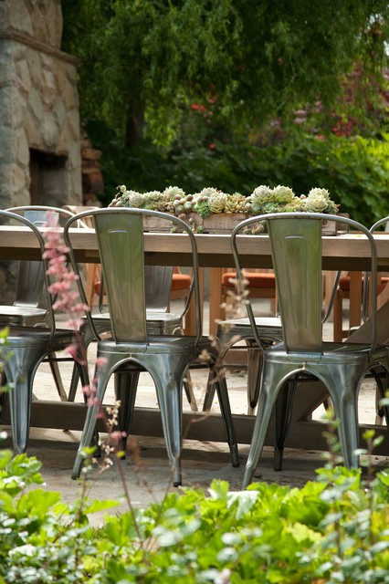 20 Amazing Outdoor Table Décor Ideas (10)
