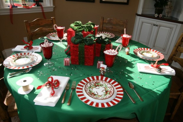 20 Amazing Table Centerpiece for Perfect Christmas Decoration (13)