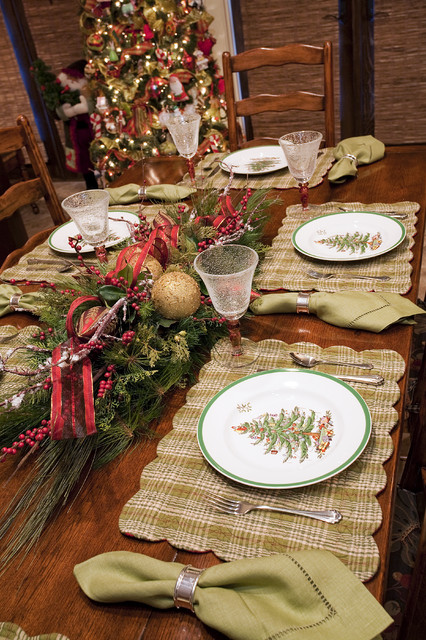 20 Amazing Table Centerpiece for Perfect Christmas Decoration (17)