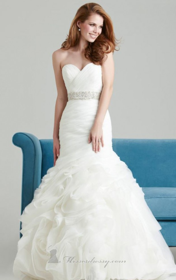 20 Beautiful Wedding Dresses for the Modern Bride (11)