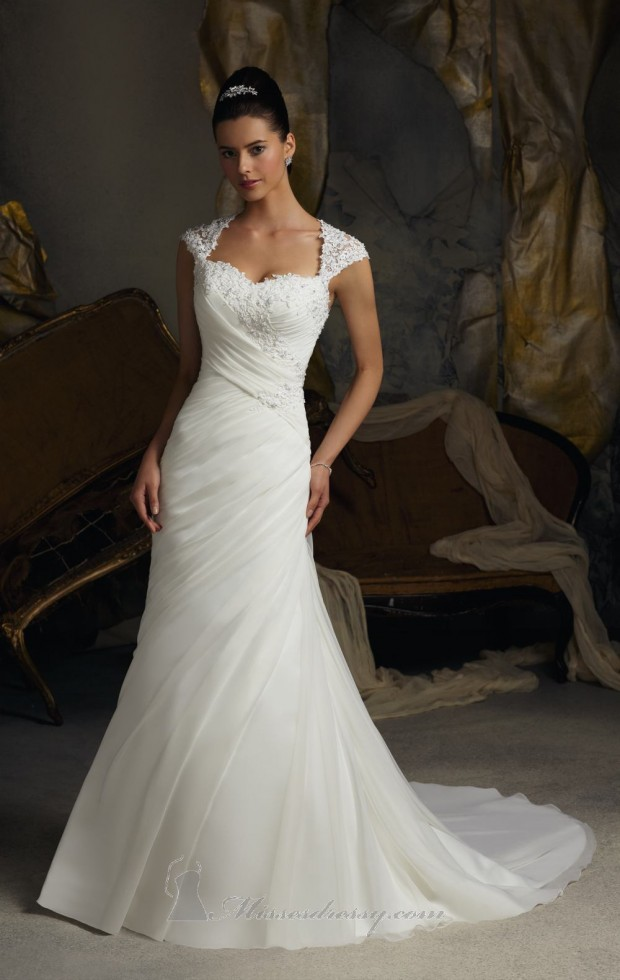 20 Beautiful Wedding Dresses for the Modern Bride (14)