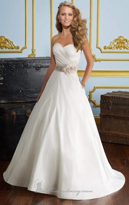 20 Beautiful Wedding Dresses for the Modern Bride (15)