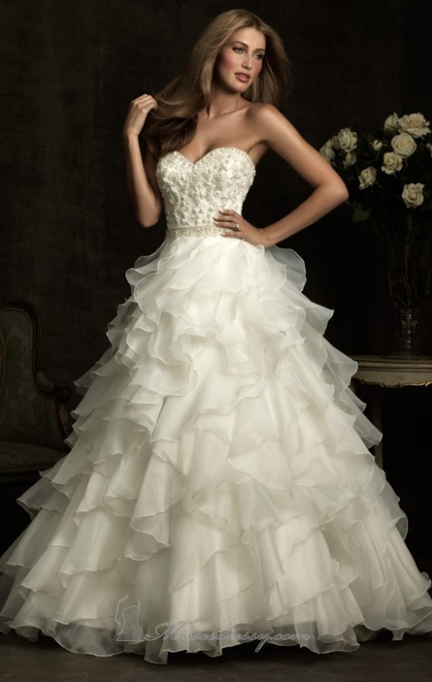 20 Beautiful Wedding Dresses for the Modern Bride (17)