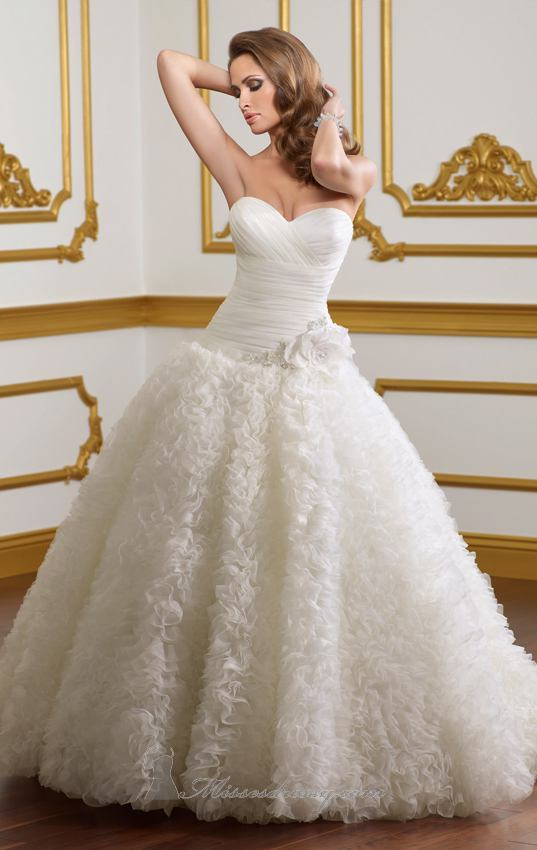 20 Beautiful Wedding Dresses for the Modern Bride (3)