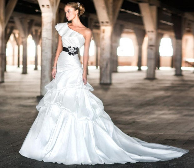 20 classic and elegant wedding dresses style motivation 20 classic and elegant wedding dresses junglespirit Gallery