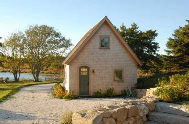 20 Cute Small Houses That Look So Peaceful (1)