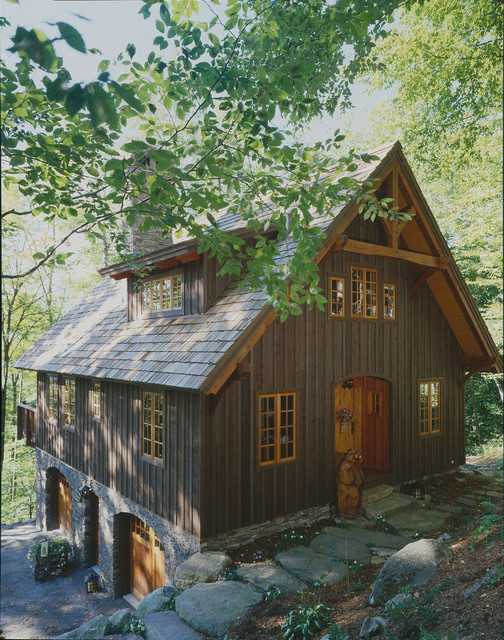 20 Cute Small Houses That Look So Peaceful (10)