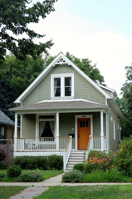 Remarkable 18 Cute Small Houses That Look So Peaceful Style Motivation Largest Home Design Picture Inspirations Pitcheantrous