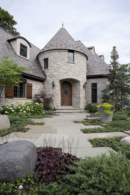 20 Gorgeous Houses That Look Like a Castles (13)