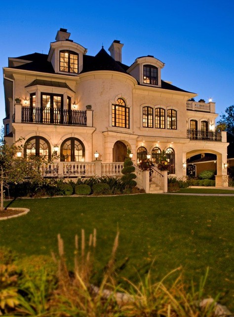 20 Gorgeous Houses That Look Like a Castles (16)