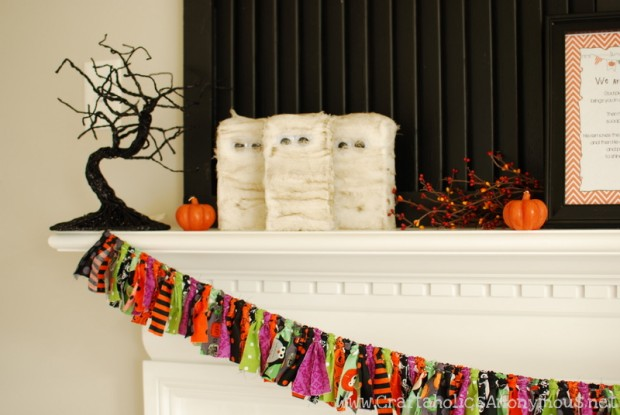 20 Great DIY Halloween Garlands and Banners for Perfect Halloween Home Decor (12)