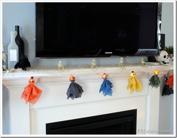 19 Great DIY Halloween Garlands and Banners for Perfect Halloween Home Decor