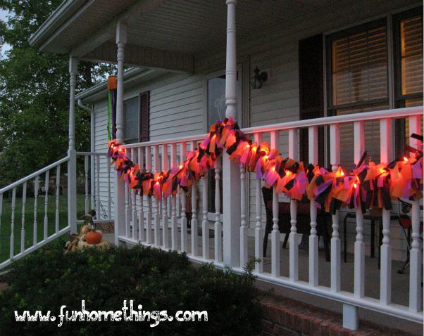 20 Great DIY Halloween Garlands and Banners for Perfect Halloween Home Decor (9)