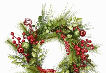 22 Beautiful Christmas Wreaths Designs - wreath, front door wreath, door wreath, Christmas wreath, christmas decoration, Christmas
