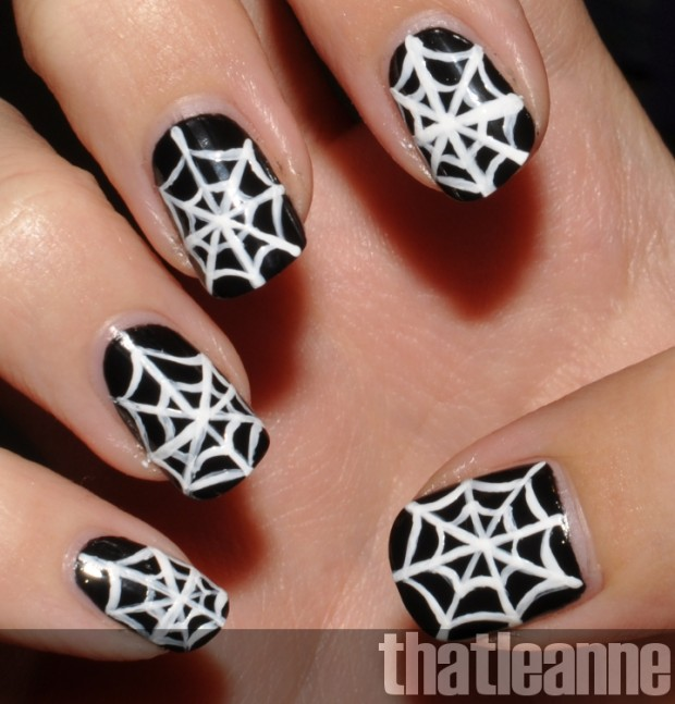 23 Easy Creative and Funny Nail Art Ideas for Halloween (19)