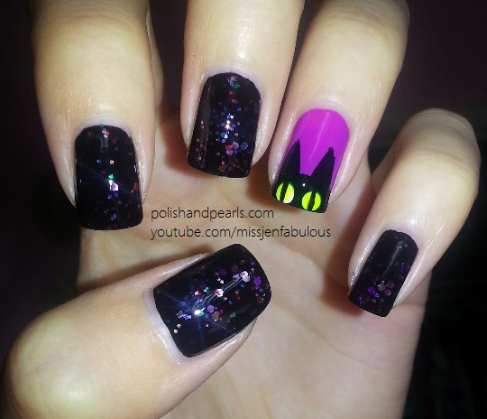 23 Easy Creative and Funny Nail Art Ideas for Halloween (9)