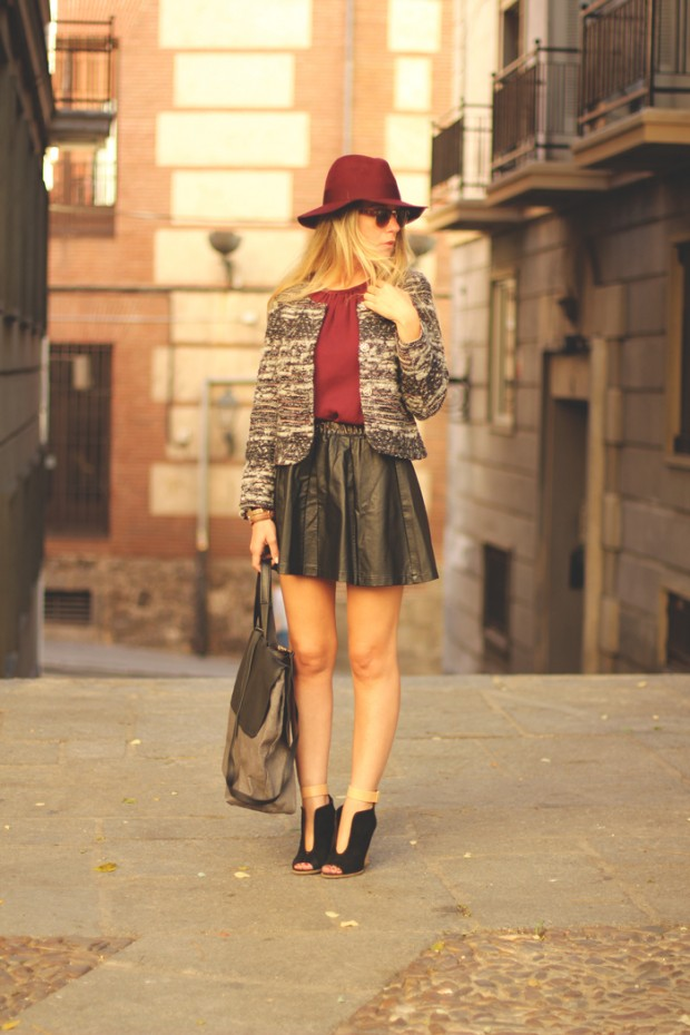 24 Gorgeous Ideas How to Wear Dress and Skirt in Cold Weather (14)