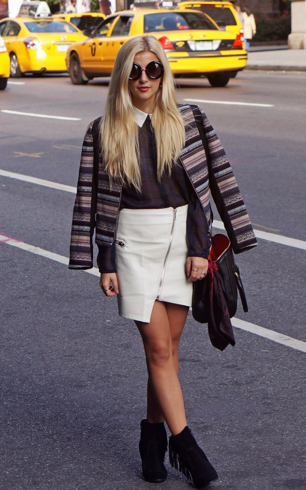 24 Gorgeous Ideas How to Wear Dress and Skirt in Cold Weather (20)