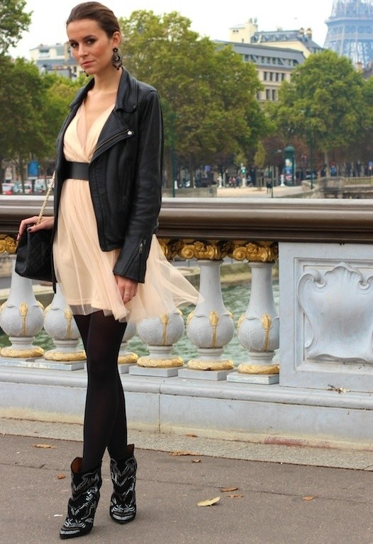 24 Trendy and Hot Street Style Outfit Ideas (2)