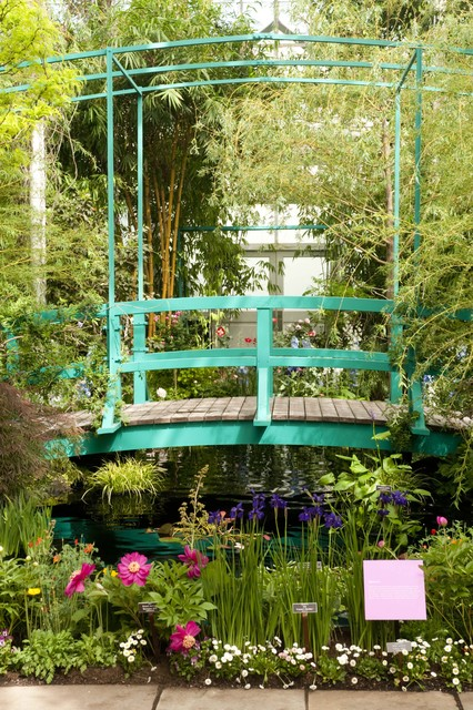 25 amazing garden bridge design ideas that will make your for Japanese garden bridge design