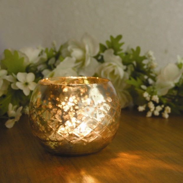 A Christmas Collection of 30 Beautiful Candle Holders  (1)