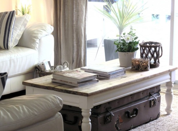 How to decorate your coffee table 23 brilliant design and decoration ideas style motivation for How to decorate living room table