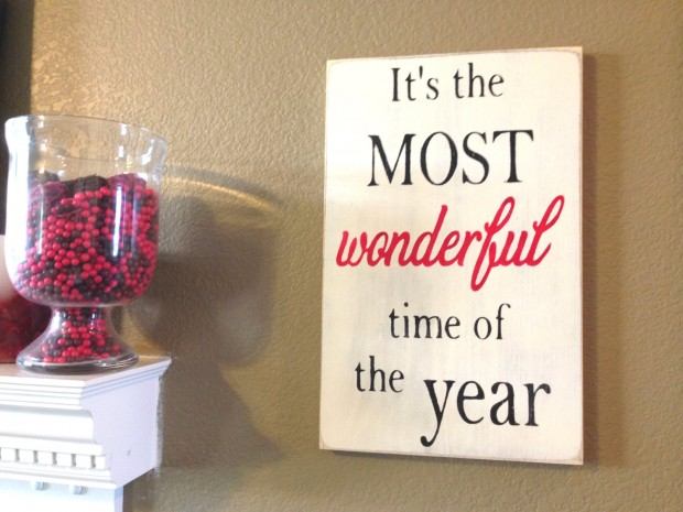 15 Incredible Christmas Sign Decorations  (14)