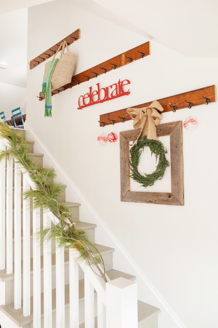 16 Awesome Christmas Stairs Decoration Ideas (15)