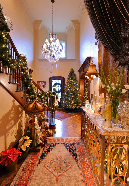 16 Awesome Christmas Stairs Decoration Ideas (4)