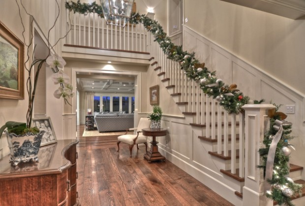 16 Awesome Christmas Stairs Decoration Ideas (7)