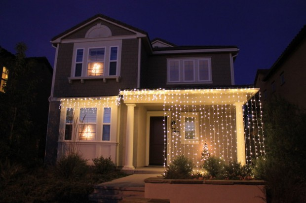 17 Beautiful Ideas for Exterior Christmas Decor (11)