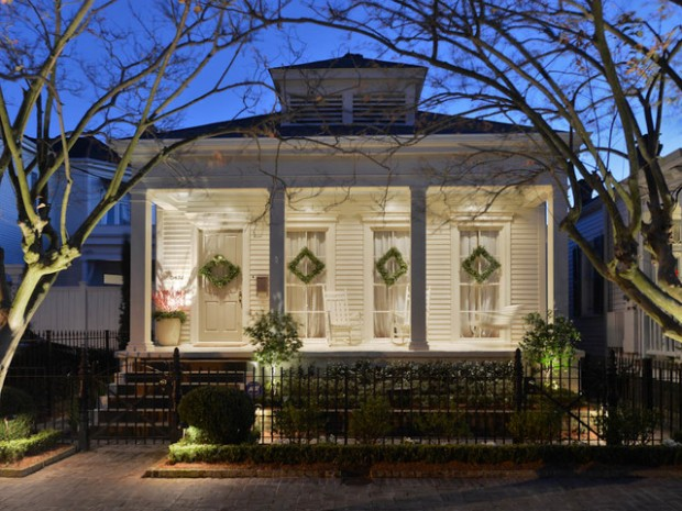 17 Beautiful Ideas for Exterior Christmas Decor (12)