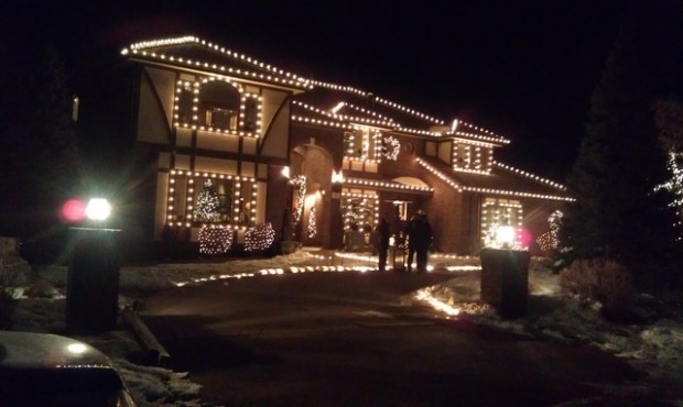 17 Beautiful Ideas for Exterior Christmas Decor (17)