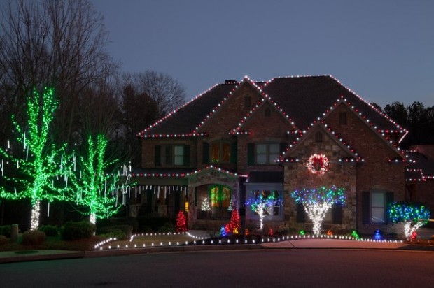 17 Beautiful Ideas for Exterior Christmas Decor (8)