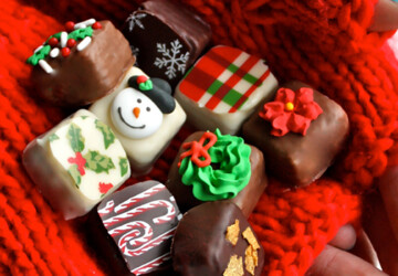 17 Delicious Christmas Cookie Samples - winter, tree, treats, sugar, oreo, marzipan, icing, iced, holiday, gingerbread, edible, decorations, Cookies, cookie, Christmas tree, Christmas, chocolate, cane, candy cane, candy, cake