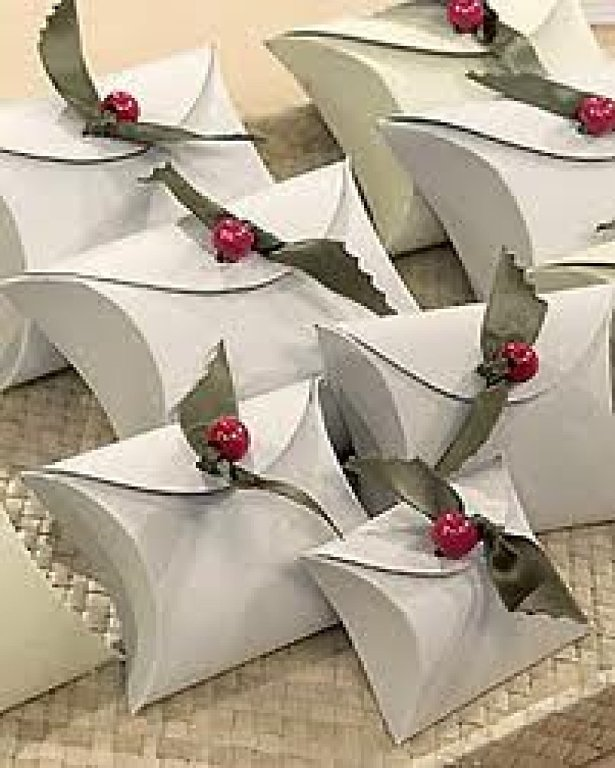 18Original and Creative DIY Christmas Gift Wrap Ideas (7)