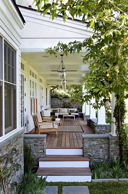 18 Great Traditional Front Porch Design Ideas - Style Motivation