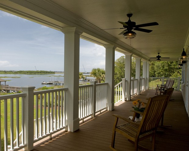 19 Great Traditional Front Porch Design Ideas  (9)