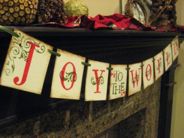 20 Amazing Decorating Ideas with Christmas Banners (2)