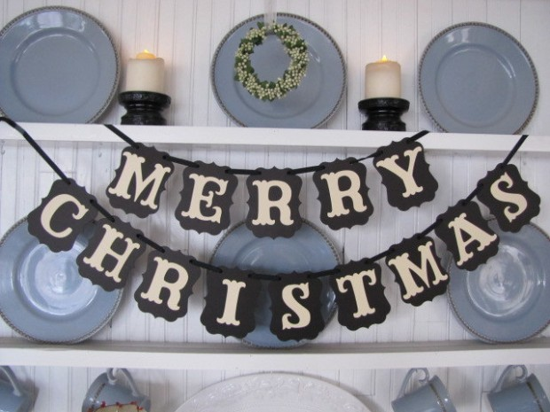 20 Amazing Decorating Ideas with Christmas Banners (4)