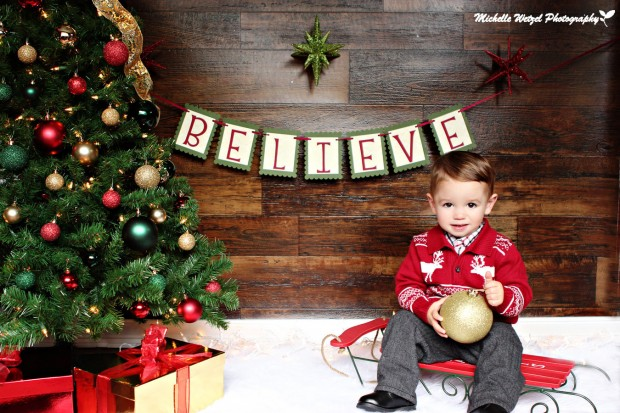 20 Amazing Decorating Ideas with Christmas Banners (9)