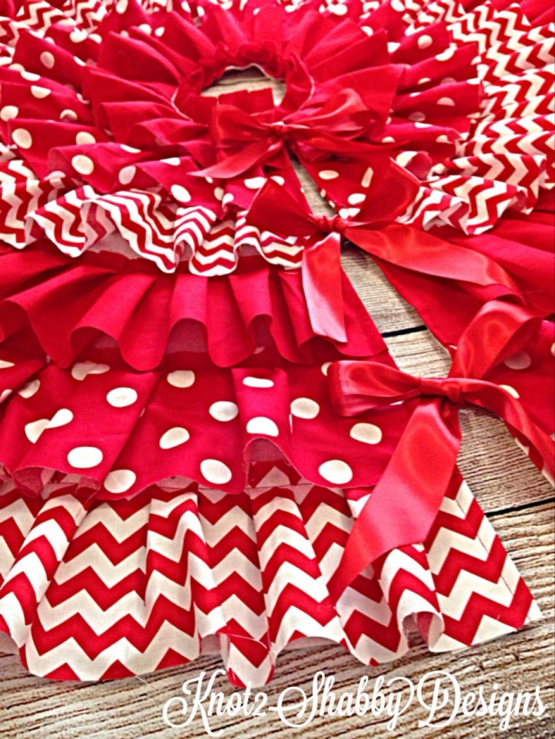 20 Beautiful Christmas Tree Skirt Designs